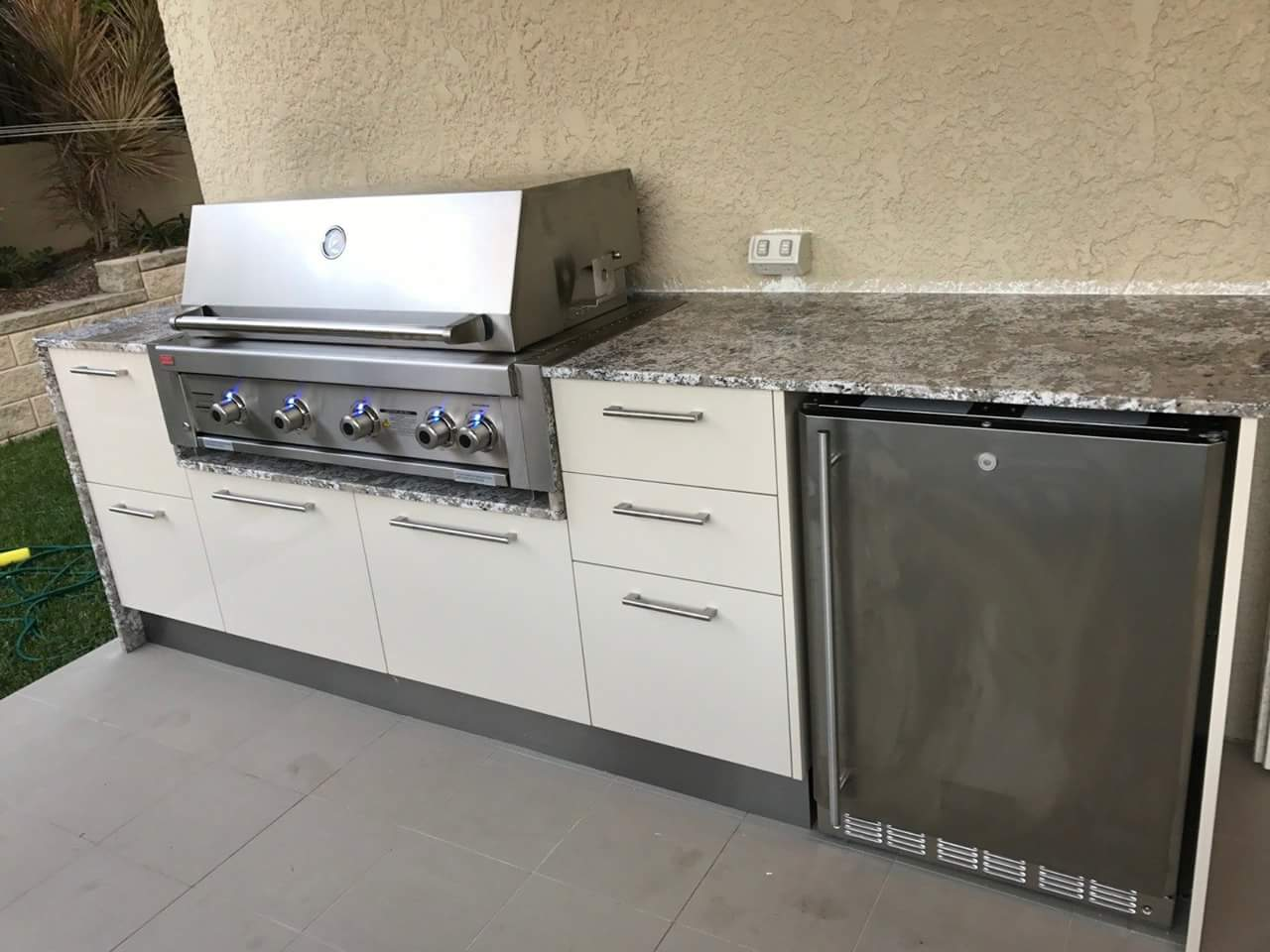 outdoor cabinets underneath barbecue grill