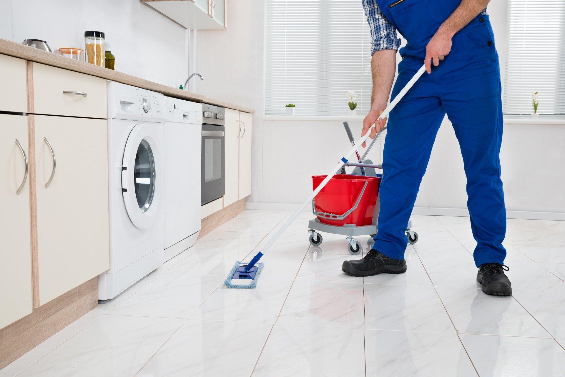 lavaggio pavimenti in marmo