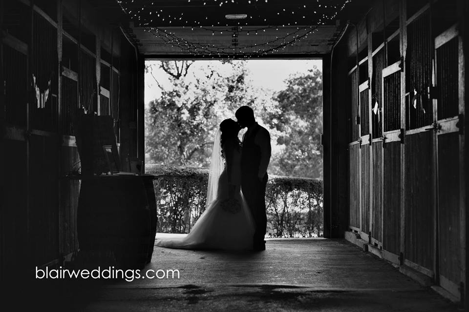 barn wedding venues in arkansas