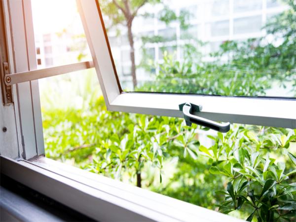 finestra apertura particolare