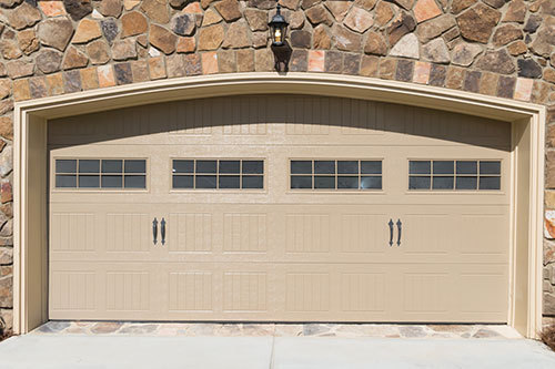 Garage doors and repair services in Coromandel