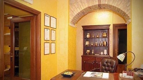 Interno dell'agenzia di onoranze funebri di Giacomantonio