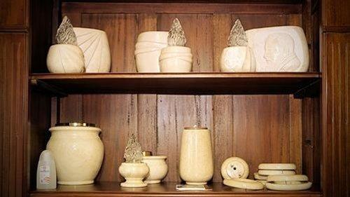 Articoli funerari in vendita