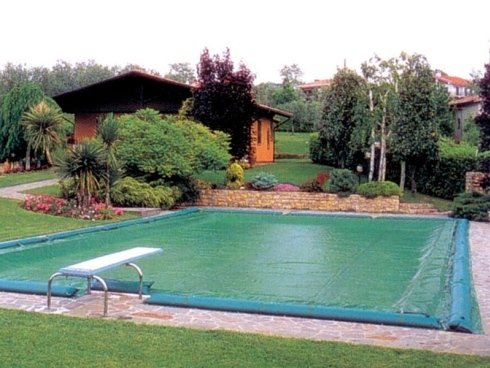 teloni-per-coperture-piscine-con-materiale-anti-alghe.jpg