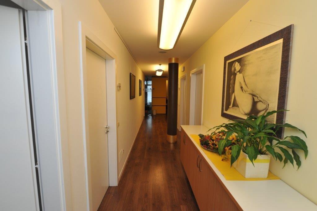 corridoio di un centro riabilitativo
