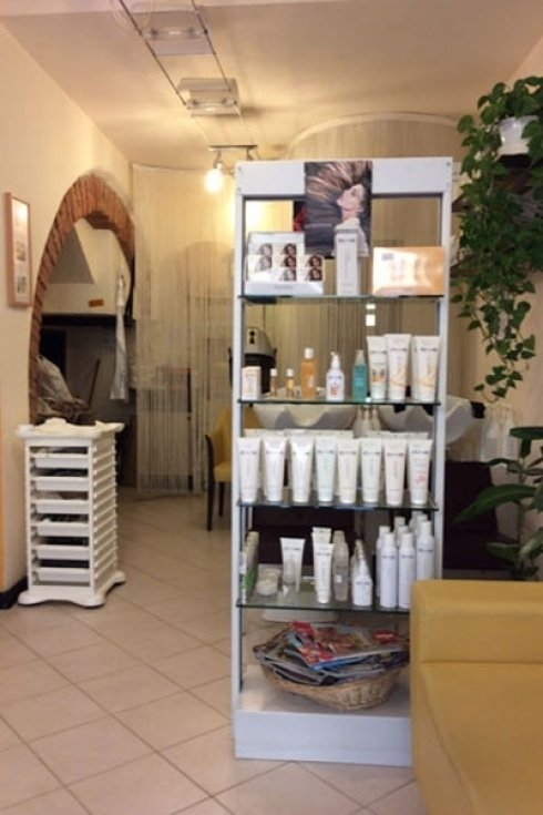 Spazio del salone di parrucchieri.