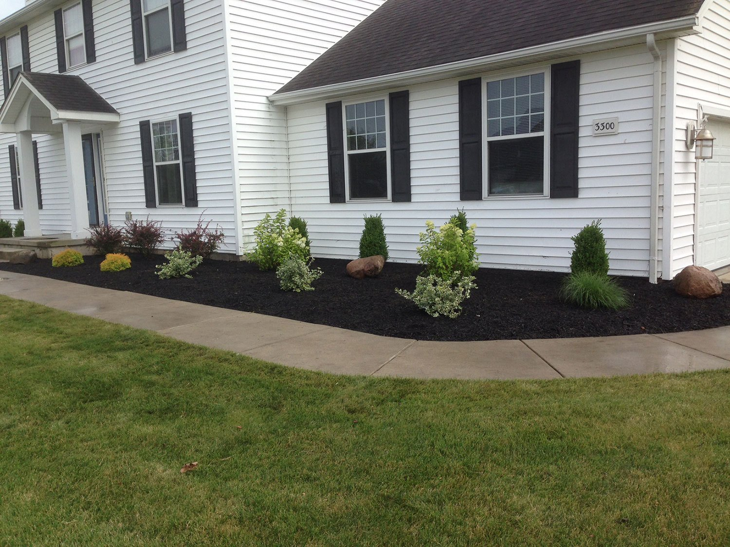 front yard landscaping - Wheatfield, NY