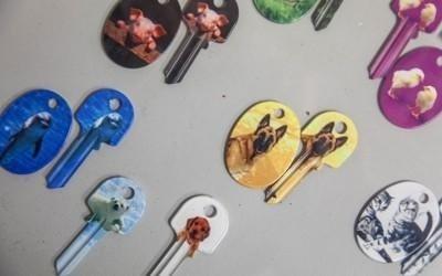 chiavi e portachiavi con illustrazioni