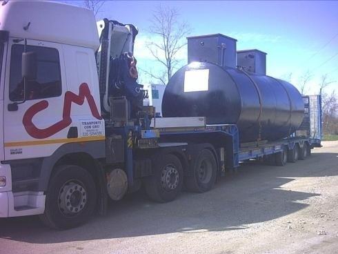 Autocarro per trasporto cisterne