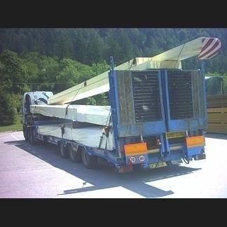 Automezzo per trasporto carichi speciali