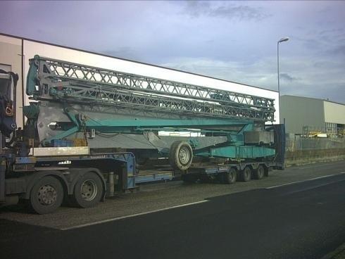 Camion con gru