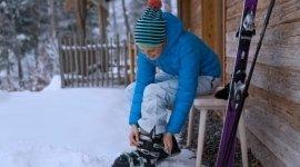 abbigliamento da sci per donna, cappellini invernali, guanti per lo sci