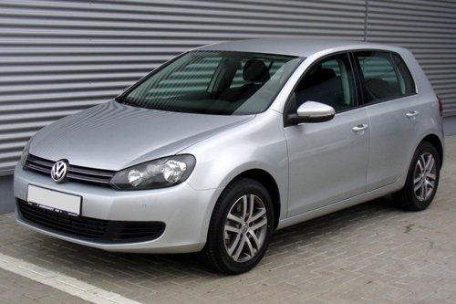 GOLF Volkswagen grigia