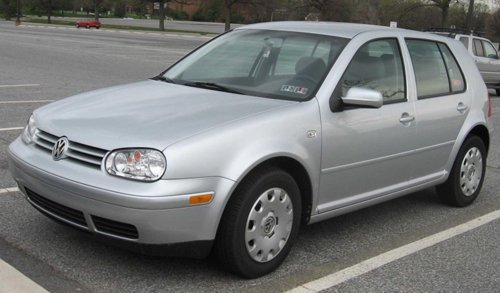 auto Volkswagen grigia