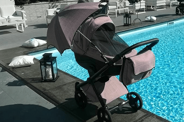 carrozzina con parasole