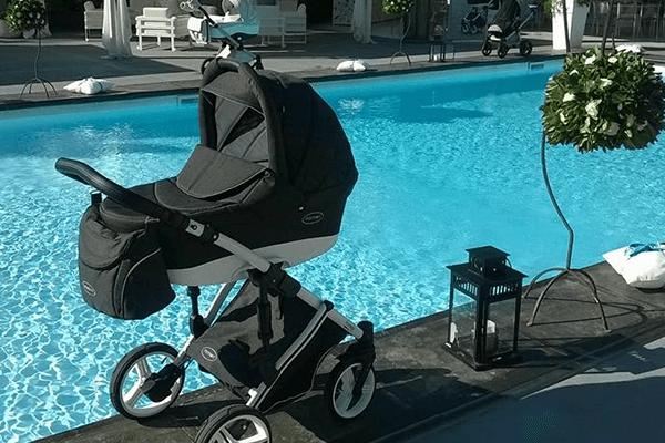carrozzina a bordo piscina
