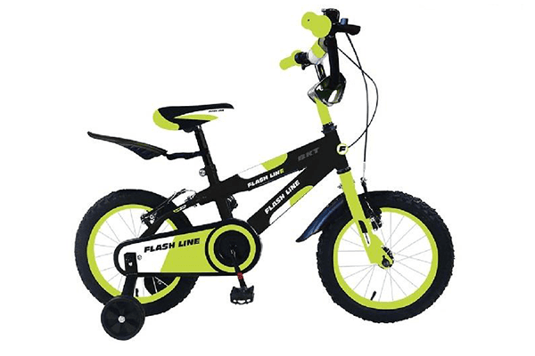 triciclo giallo per bambino