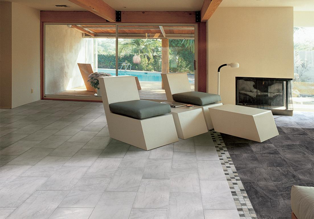 soggiorno moderno con pavimento personalizzato