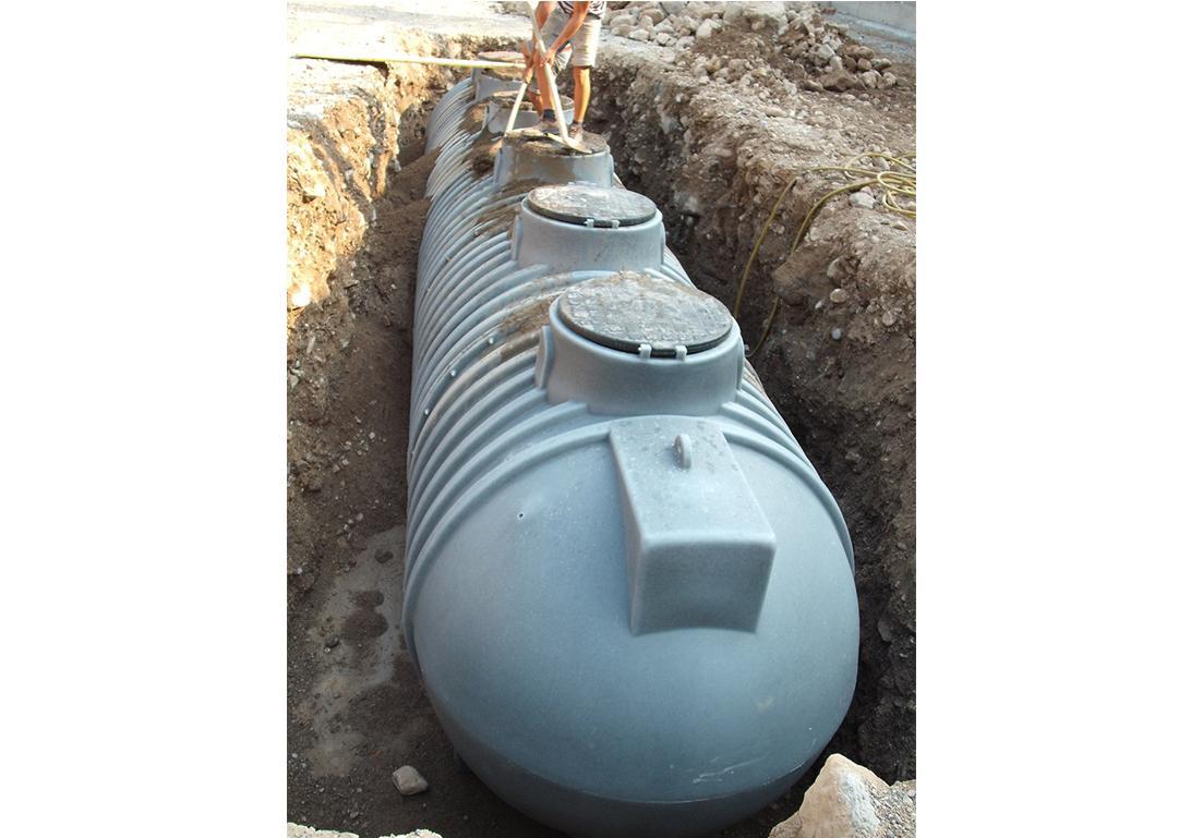 serbatoio interrato per la distribuzione di acqua