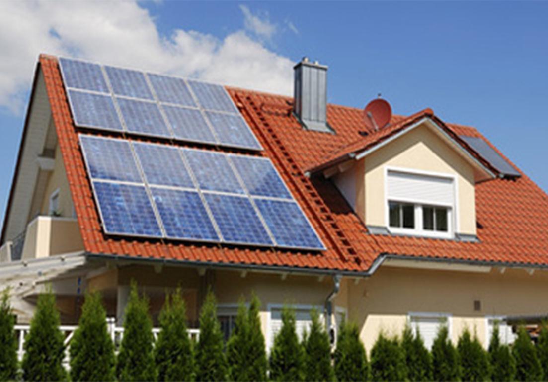 esempio d'installazione di pannelli solari su tetto