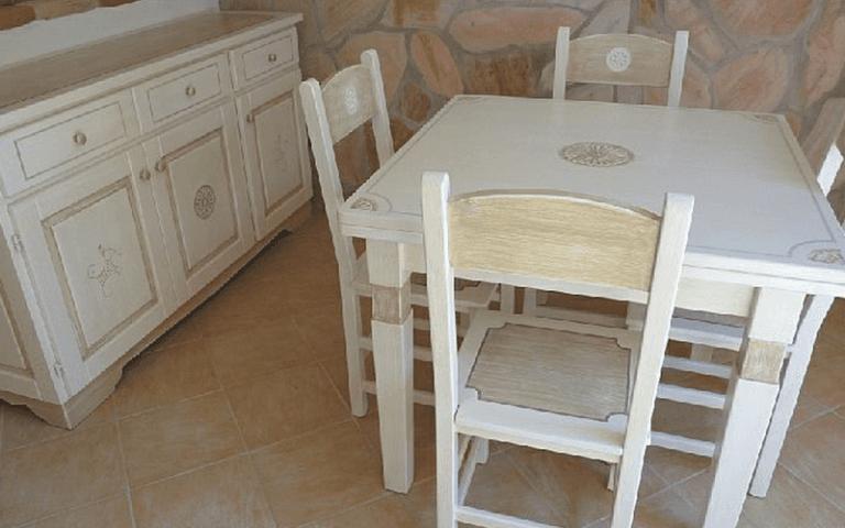 Tavoli  in stile sardo