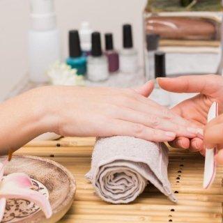 Ricostruzione e manicure unghie