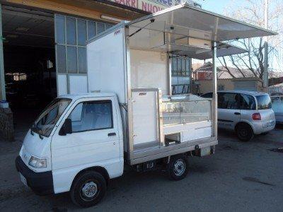 Autocarro per la vendita ambulante di cibo