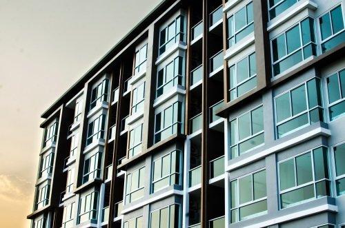 edificio civile moderno appena costruito
