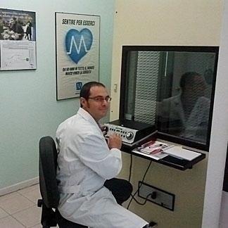 Dott. Stefano Cordaro Dott. Stefano Cordaro Audioprotesista Audioprotesista