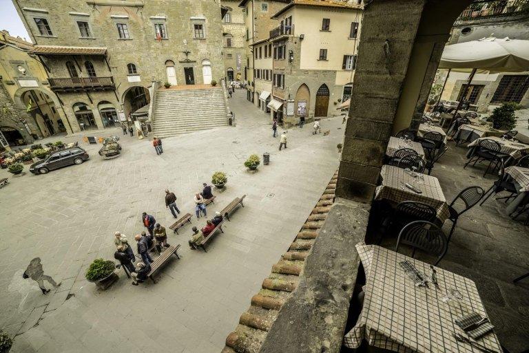 ristorante con terrazza Cortona