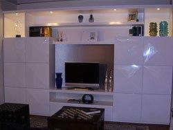 nn mobile  tv di color bianco
