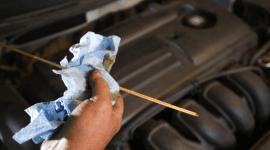 manutenzione motore, elettrauto, olio per auto