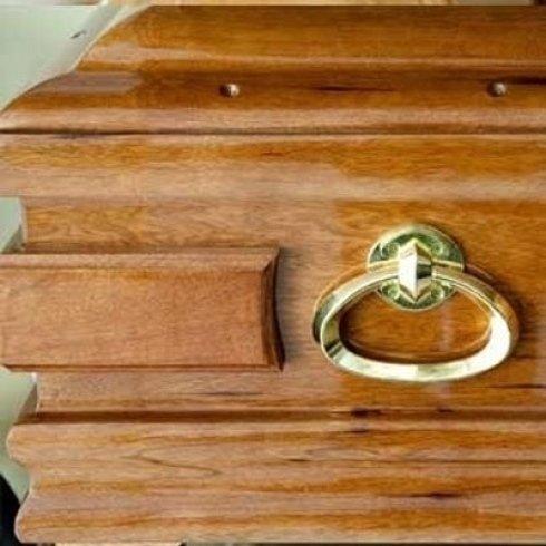 Particolare cassa mortuaria in legno