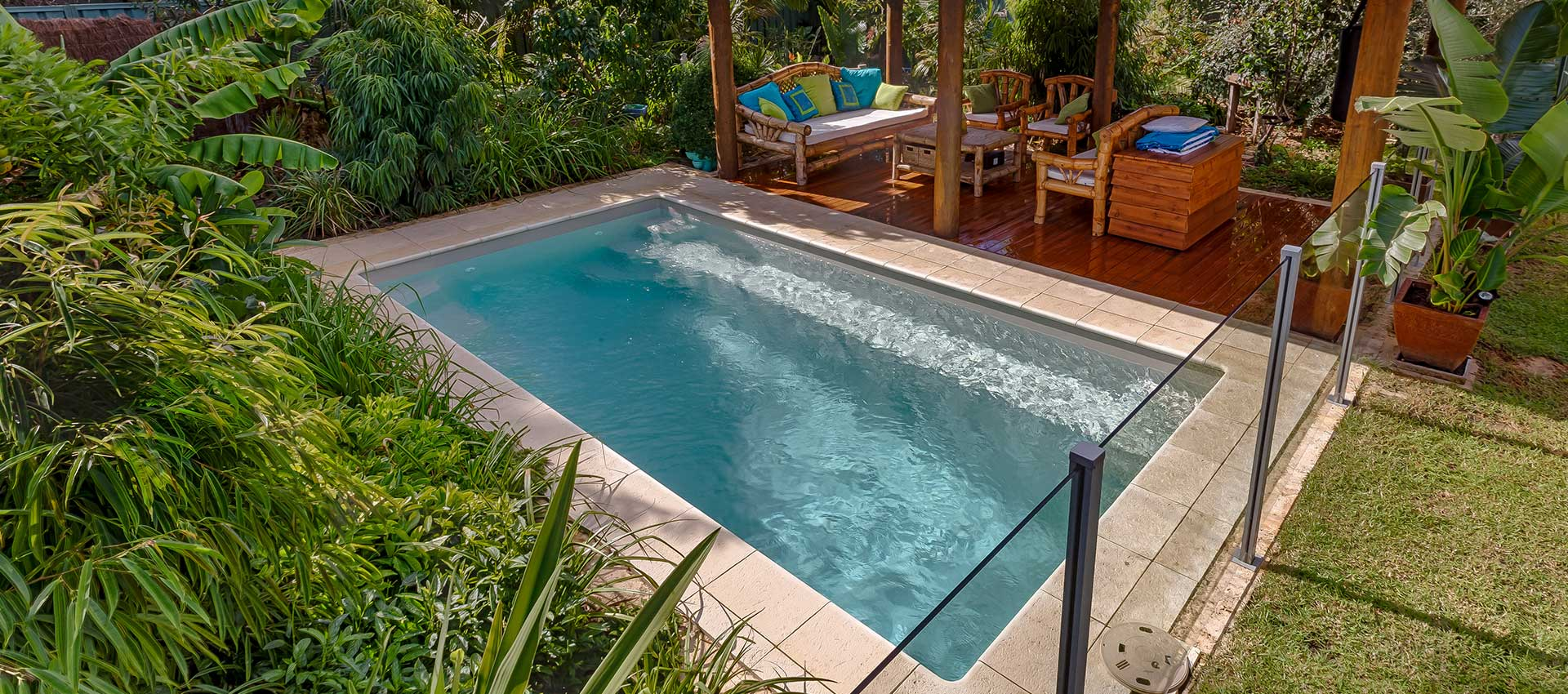 Coastline pools the hunters award swimming pool builders - Jacuzzi para jardin ...