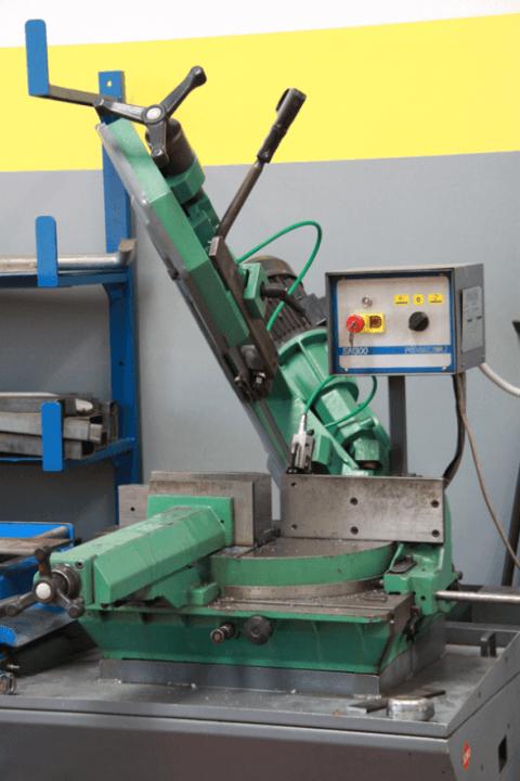 macchinari per riparazioni