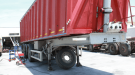 assistenza camion rosso