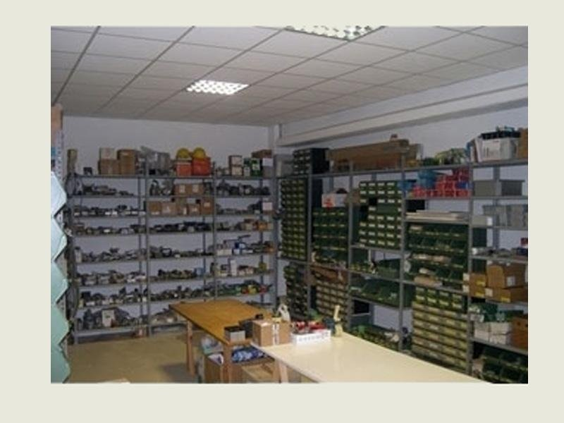 magazzino per riparazione caldaia