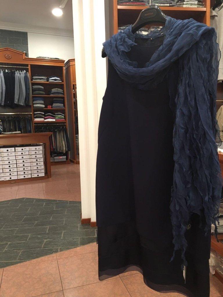 abito nero con stola donna