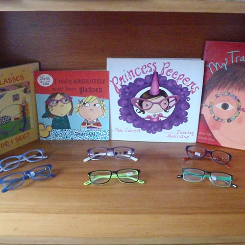 Spectacles in various colors
