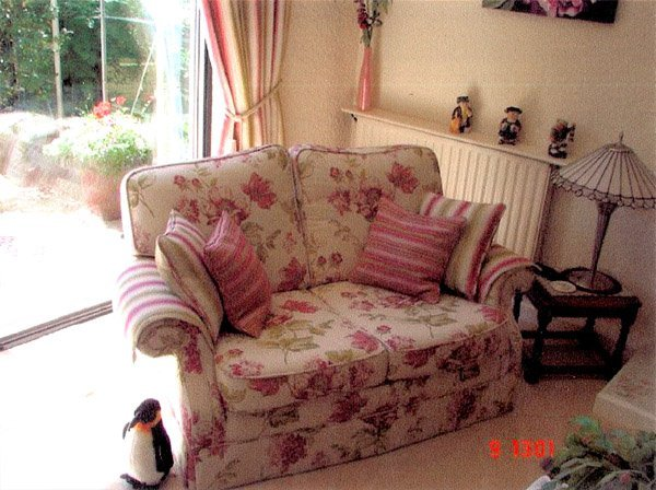 Button covering - Chatteris - CA & NC Pedlar Upholstery - pink sofa