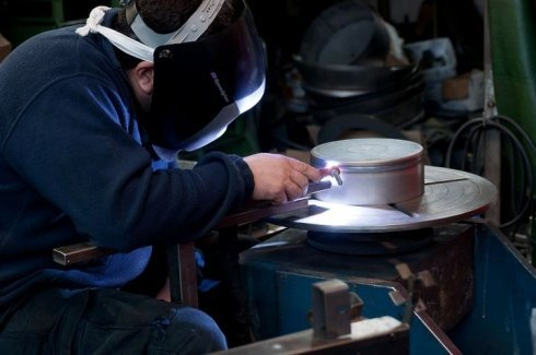 lavorazione lamiere su misura, bordatura metalli, orlatura metalli