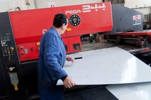 lavorazioni siderurgiche, produzione di coni in metallo, trasformazioni metali