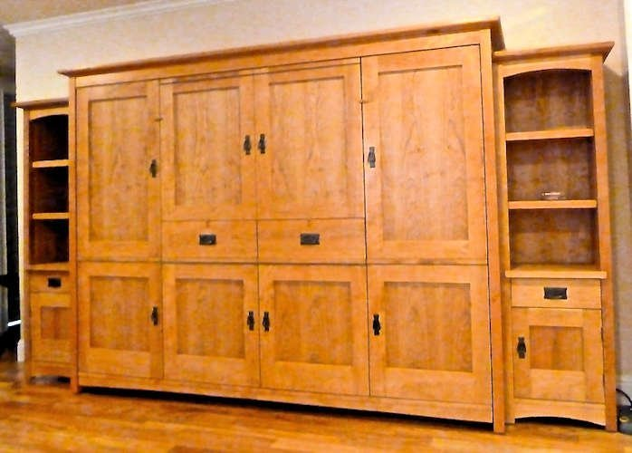 Queen or Full Horizontal Craftsman 8 Door / 2 Drawer w/Table (Centered)