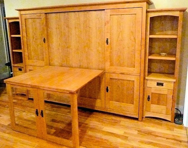 Queen or FullHorizontal Craftsman8 Door / 2 Drawerw/Table (Centered)