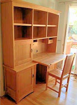 Hutch desk w/files & more