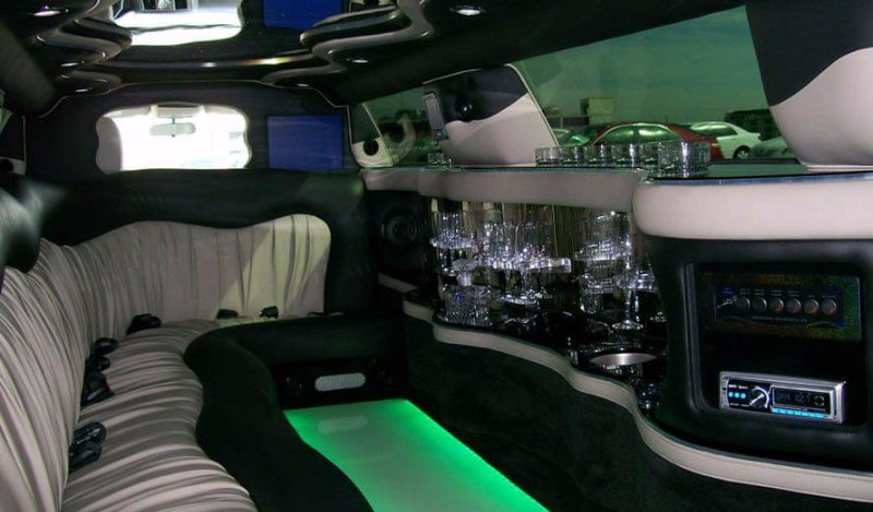 crysler 300 white stretch limo los angeles ca