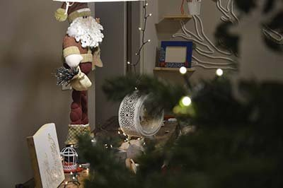 Addobbi natalizi in legno a Nicolosi