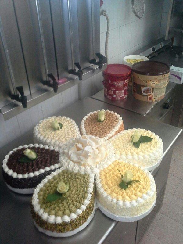 Torte Nuziali e di Compleanno artigianali