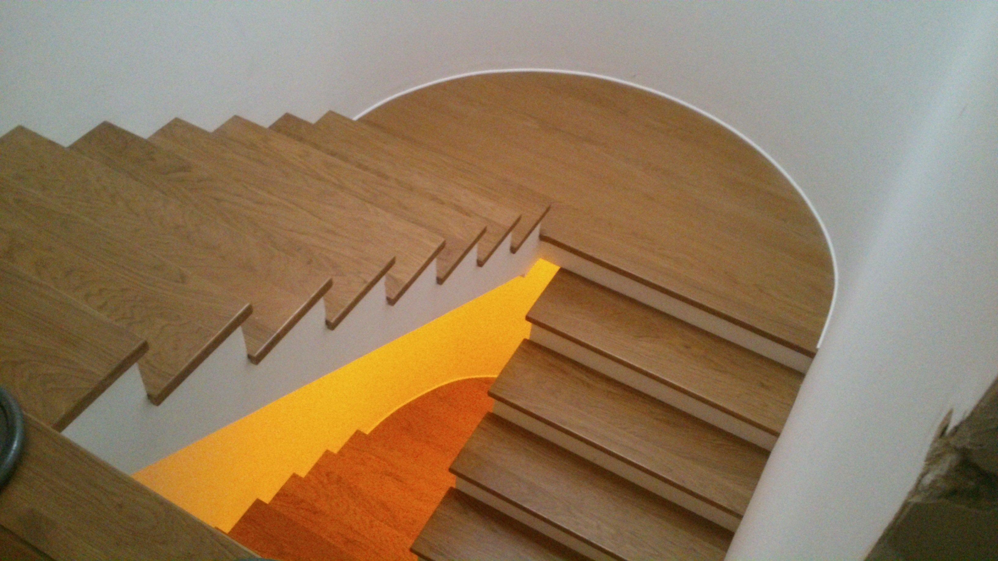 scala in legno con pedana centrale