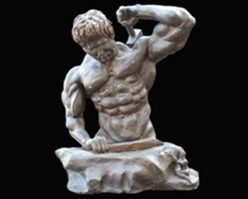 Statua di un ferraio a Roma